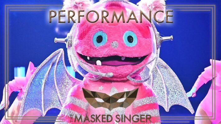 Born This Way - Lady Gaga   Der Monstronaut   The Masked